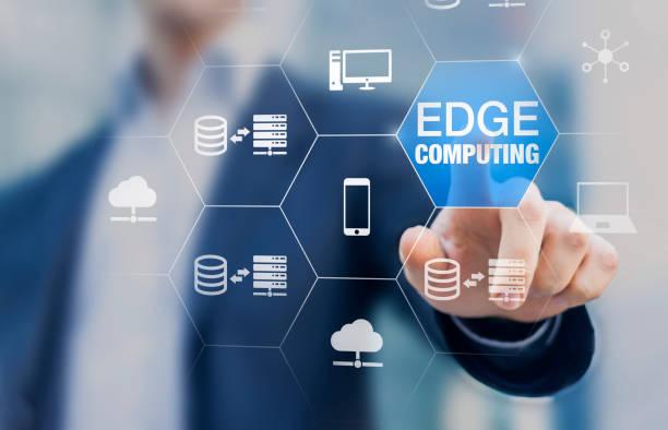 Edge-Computing-Technologie mit verteilter Netzwerk-Berechnung und Datenspeicherung in der Nähe des Benutzers statt in der Cloud, Internet-Service für IoT, Gamelets und KI-Erkennung, Konzept – Foto
