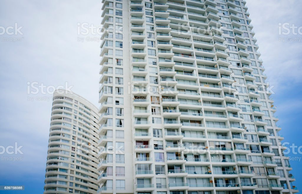 edificio habitacional - foto de stock