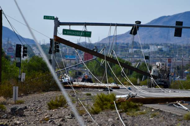 Editorial: downed powerlines Downed powelines caused by lightning on July 20th in Henderson, NV; 10 miles from the Las Vegas strip. knocked down stock pictures, royalty-free photos & images