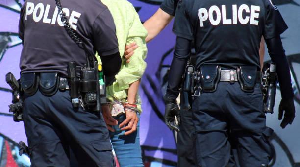 編集写真: ホームレスの女性の逮捕をクローズ アップ ストックフォト