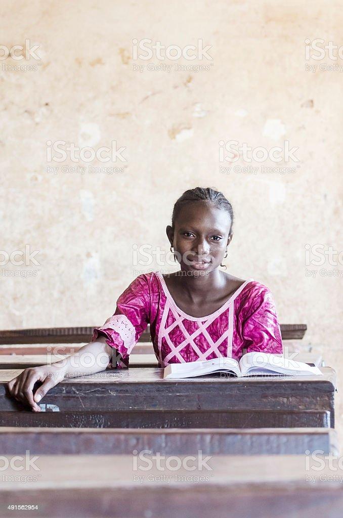 Schulmädchen Junges afrikanisches Junge afrikanerin