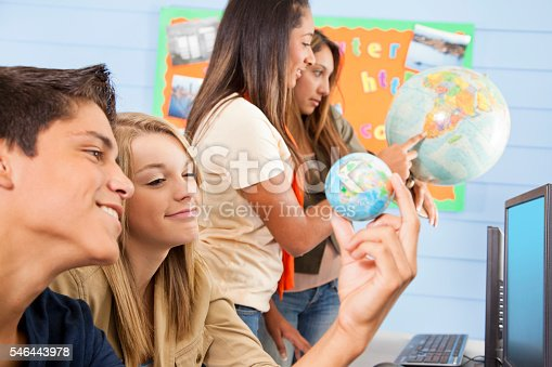 istock Education: High school students in computer lab. Geography. 546443978