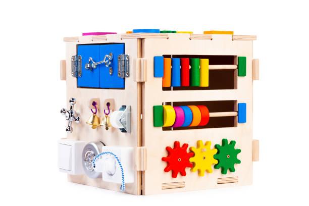 lernspielzeug für kinder - sinn uhren stock-fotos und bilder