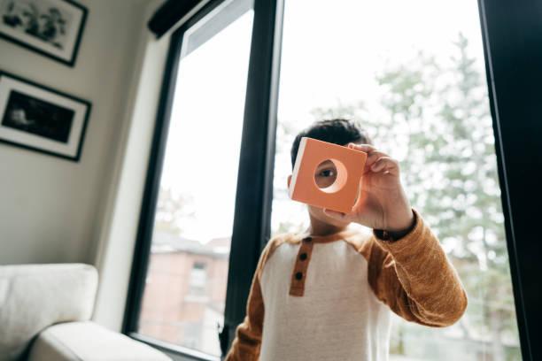 pädagogische spielwaren für kleinkinder und kinder - autismus stock-fotos und bilder