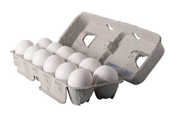 egg carton - angled - chicken bird in box stockfoto's en -beelden