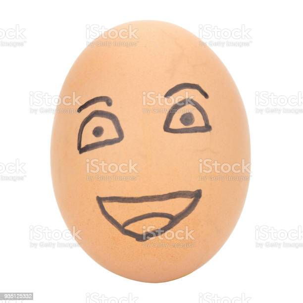 Egg face smile man concept isolated on white background picture id935125332?b=1&k=6&m=935125332&s=612x612&h=iw livc5g89zfxpsylitvyj3voisim o4bg dmownok=