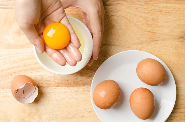 egg - yumurta sarısı stok fotoğraflar ve resimler