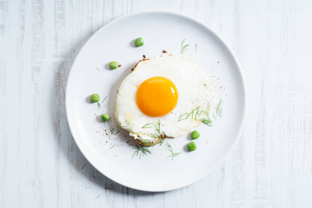 egg toast - fried egg stock photos and pictures