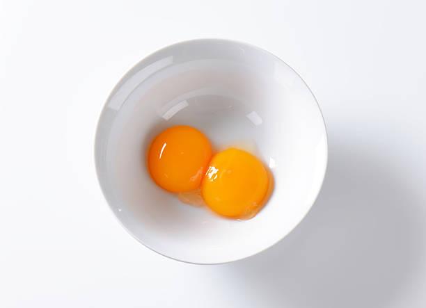 egg yolks - yumurta sarısı stok fotoğraflar ve resimler