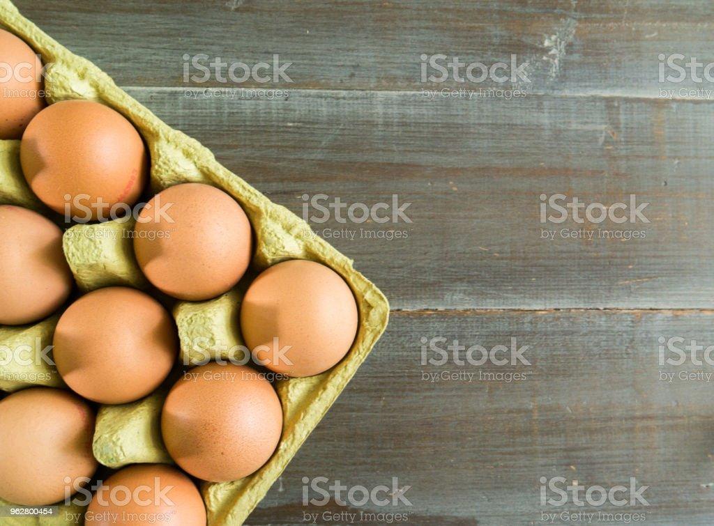 ovos em uma caixa de ovos - Foto de stock de Agricultura royalty-free