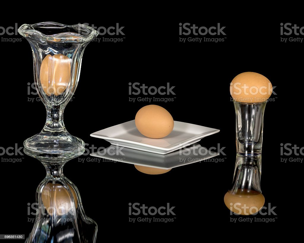 Eggs that are brown on glasses and plate Lizenzfreies stock-foto