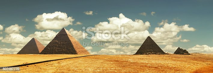 Egipt panorama pyramid with blue sky and high resolution