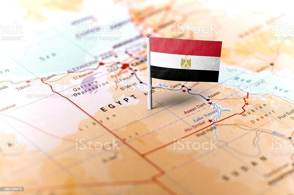 Egypt pinned on the map with flag - foto de stock