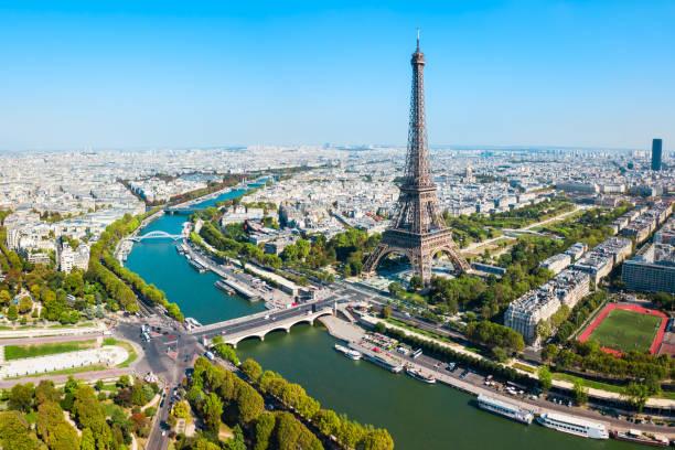 eiffel tower aerial view, paris - париж франция стоковые фото и изображения