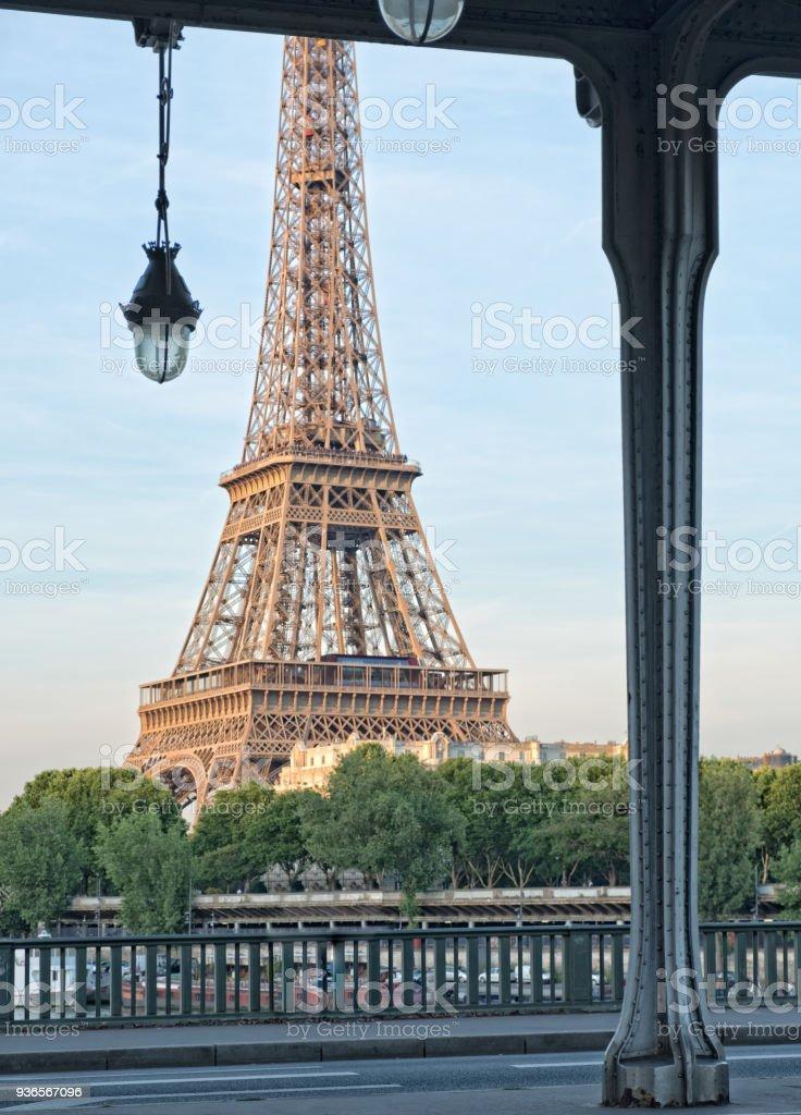 La Tour Eiffel depuis le Pont de Bir-Hakeim - Photo
