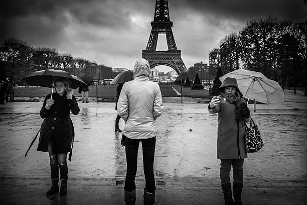 eiffel tower - nzgmw2017 stock pictures, royalty-free photos & images