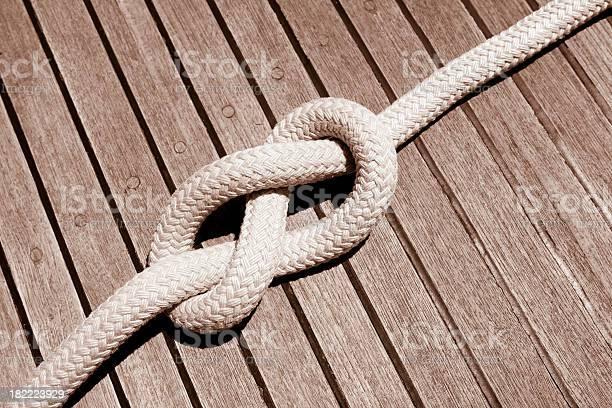 Acht Knoten Auf Der Sail Boat Deck Stockfoto und mehr Bilder von Bildkomposition und Technik