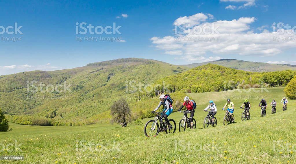 Acht Mountain bike world championships Freunden in der Slowakei Mountains – Foto