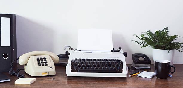 80er Jahren Schreibtisch – Foto