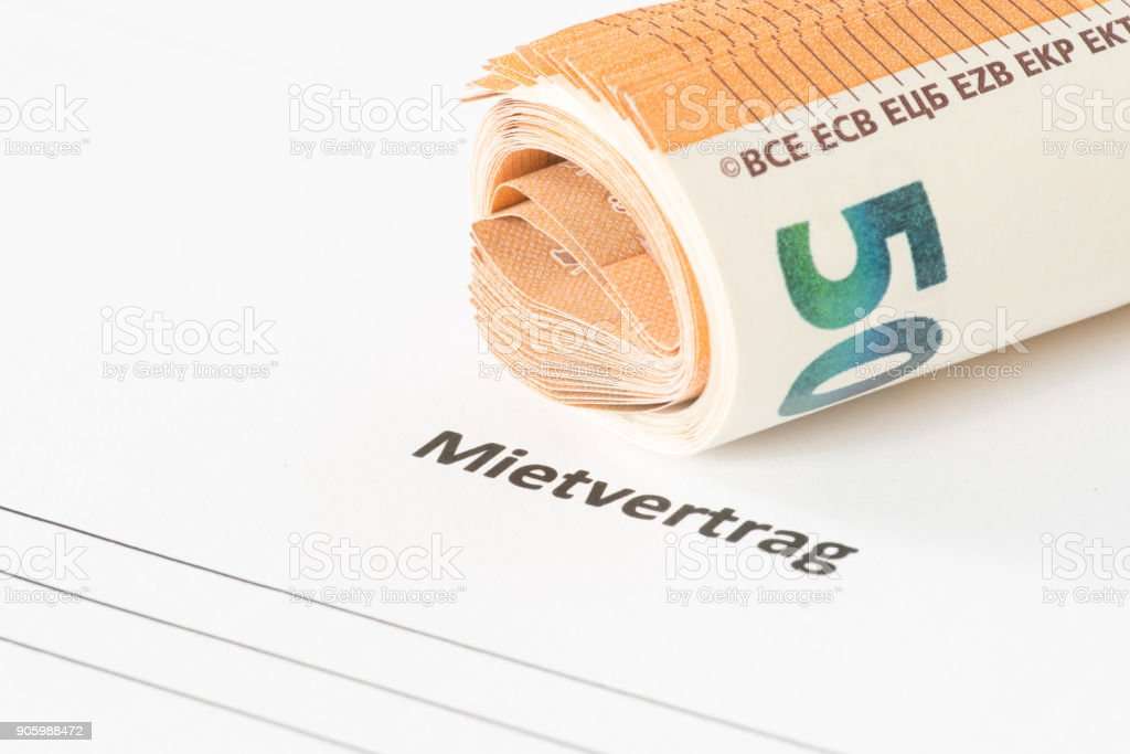 Ein Mietvertrag Für Eine Wohnung Und Euro-Geldscheine – Foto