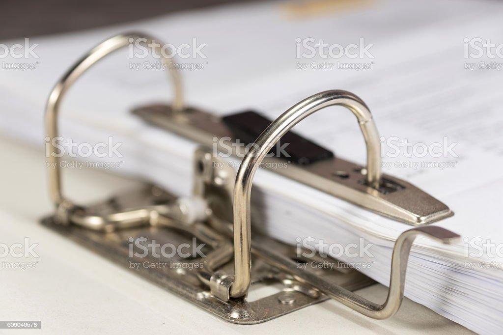 Ein Ordner mit Dokumenten stock photo