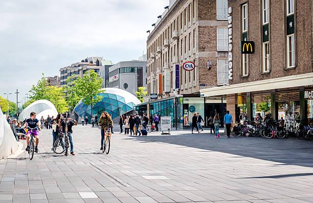 eindhoven downtown - eindhoven city stockfoto's en -beelden