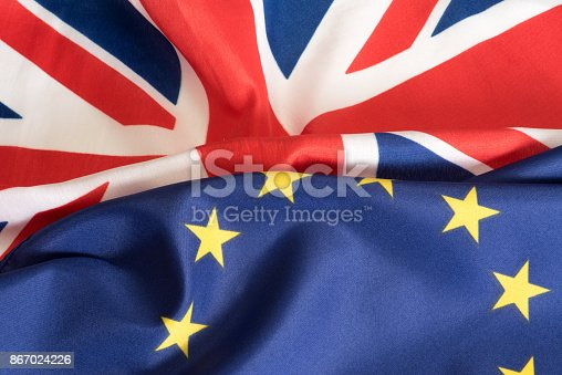 istock Eine Flagge von EU und Grossbritannien 867024226