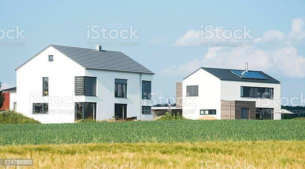 Detainee Auf Dem Land Stockfoto und mehr Bilder von Architektur