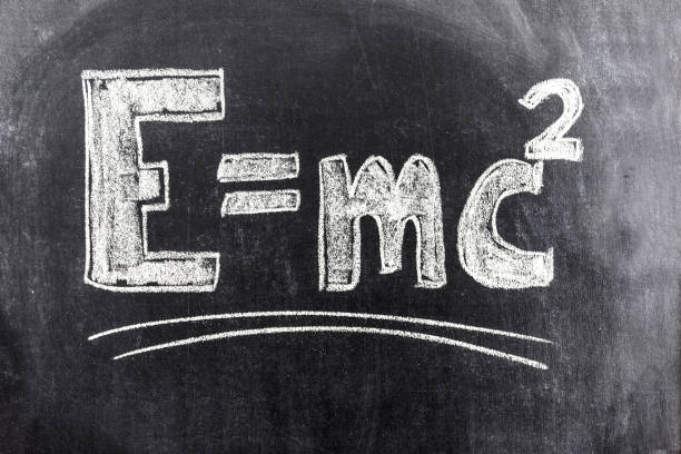 fórmula de einstein de la teoría de la relatividad - e=mc2 fotografías e imágenes de stock