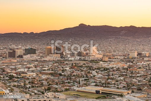 Skyline of El Paso, Texas at sunset