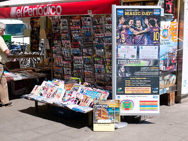 el periodico - fußball poster stock-fotos und bilder