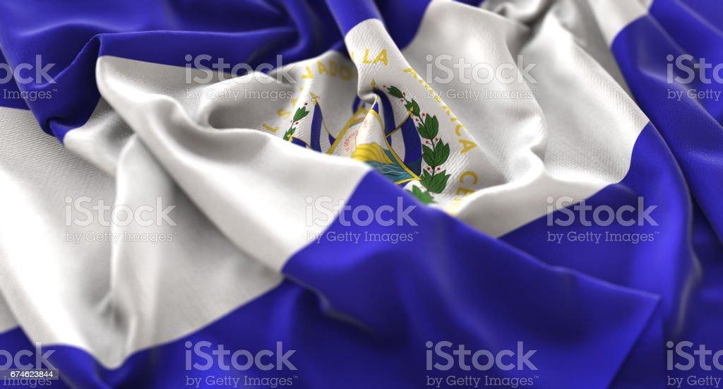 Bandera del Salvador con volantes agitando muy bien toma de primer plano Macro - foto de stock