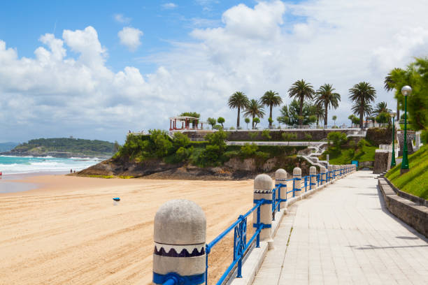 el sardinero beach promenade - santander zdjęcia i obrazy z banku zdjęć