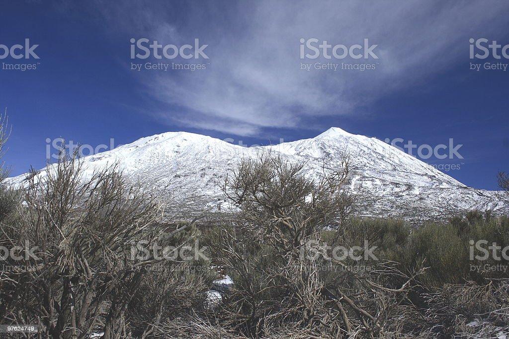 El Teide Volcano Covered in Snow royaltyfri bildbanksbilder