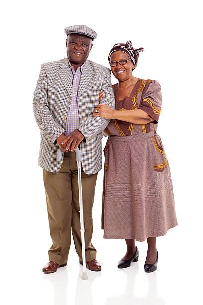 Pareja de ancianos africanos - foto de stock