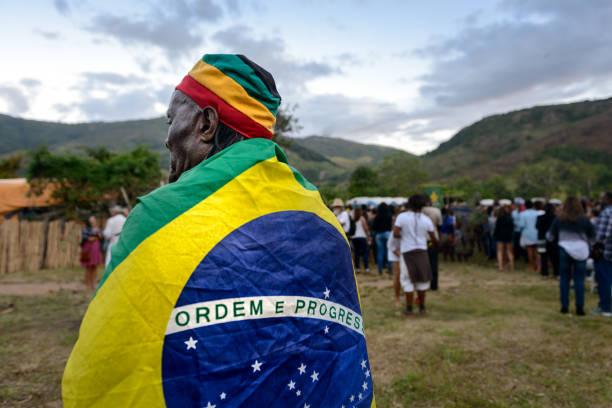 yaşlı brezilya rastafari, afro kültür festivali - reggae stok fotoğraflar ve resimler