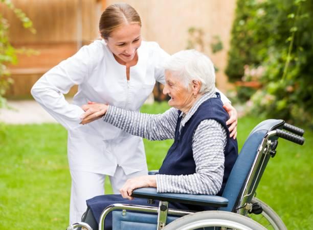 Älterer care  – Foto