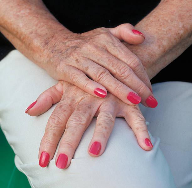 Ältere Hände von Frau – Foto
