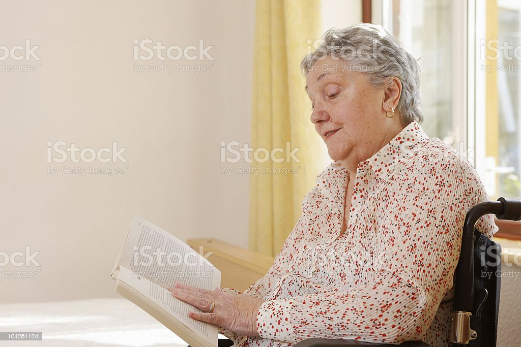 petite-light-wheelchair-for-elderly-lady