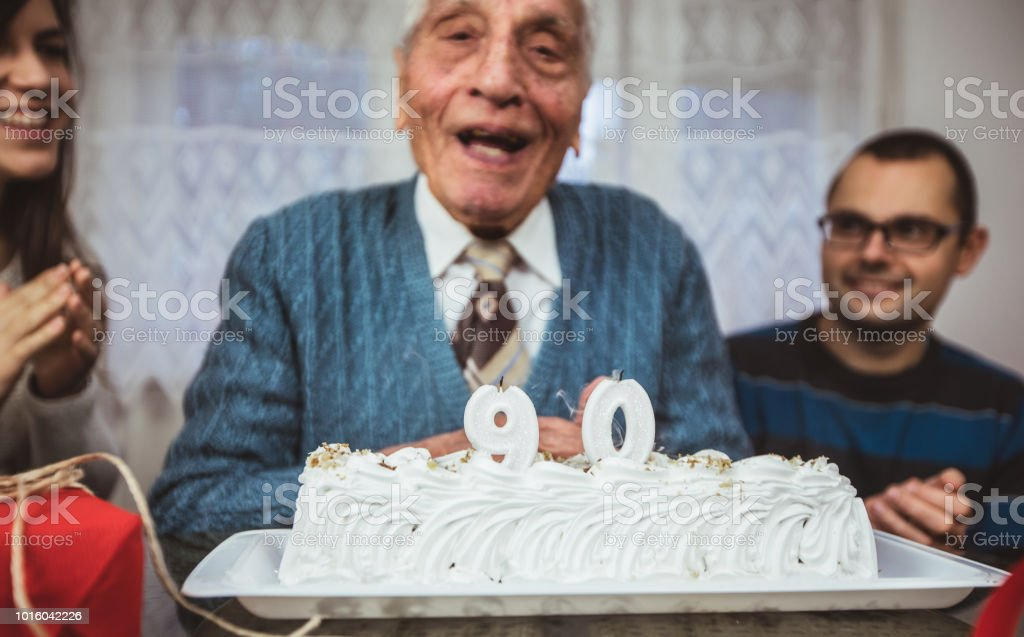 Grandfather celebrates 90th birthday surrounded with his loved ones