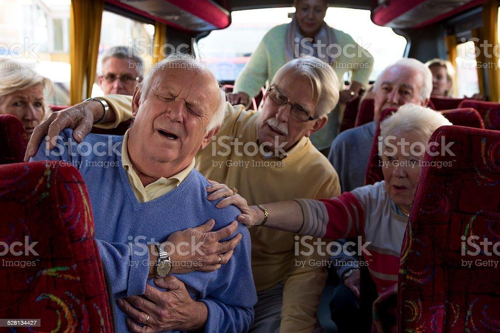 Vieil homme avoir une crise cardiaque - Photo