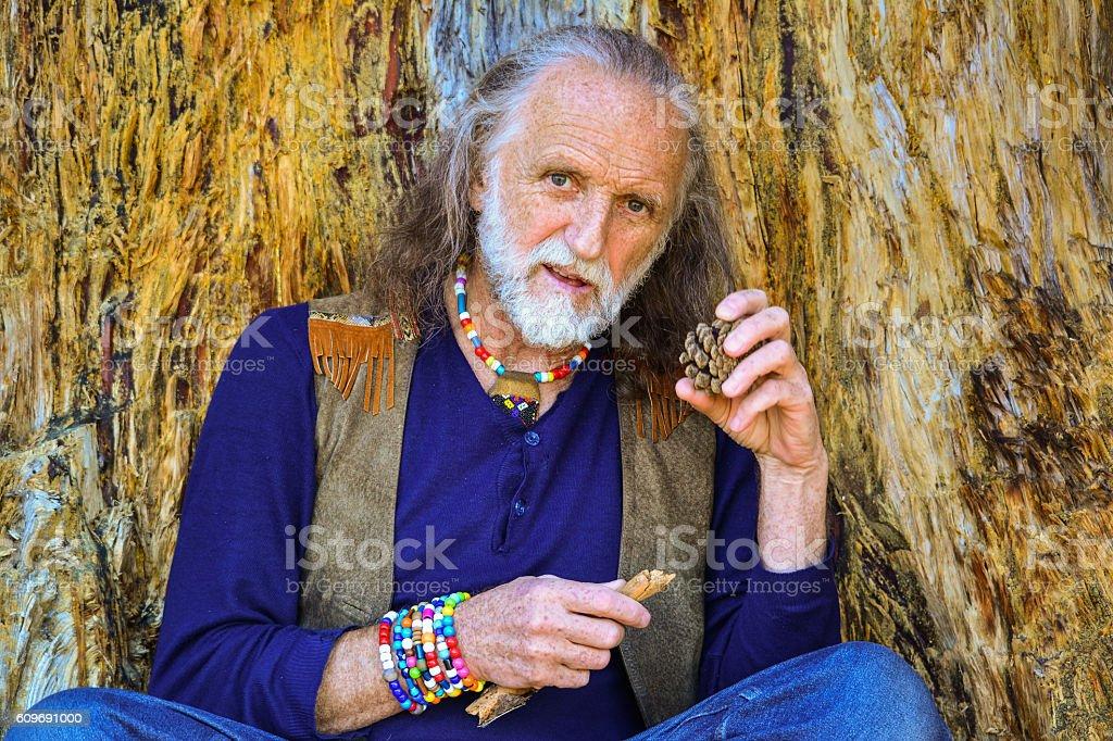 Elderly man outdoors - Photo