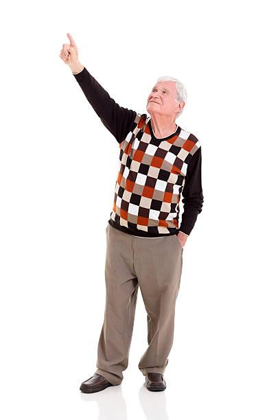 Hombre señalando de edad avanzada - foto de stock
