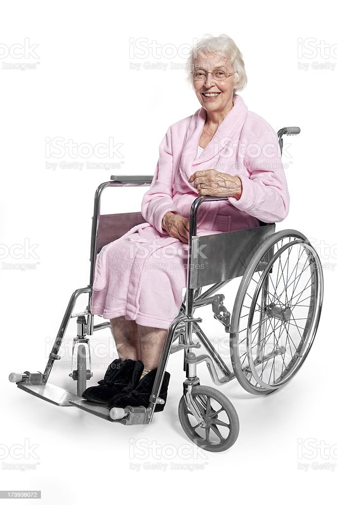 personnes g es souriant femme en fauteuil roulant photos et plus d 39 images de adulte istock. Black Bedroom Furniture Sets. Home Design Ideas