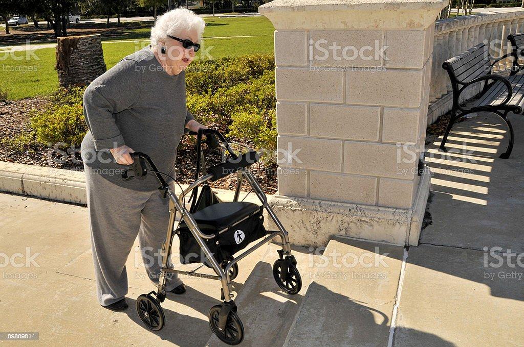 Ältere Frau Hindernisse Lizenzfreies stock-foto