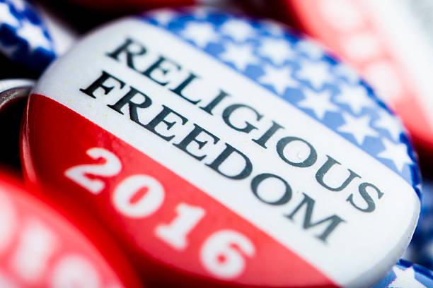 wahl abstimmung knöpfen - religionsfreiheit stock-fotos und bilder