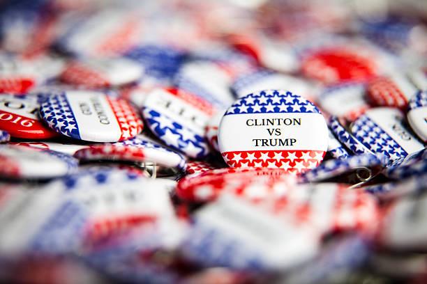 выборы голосования пуговицами - donald trump us president стоковые фото и изображения