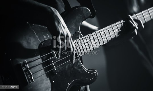1 972 Black And White Guitar Stock Photos Pictures Royalty Free Images Istock