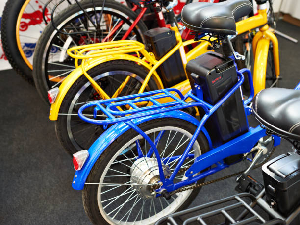 Electric bicycles Electric bicycles in sport shop rear wheel motor  electric bike stock pictures, royalty-free photos & images