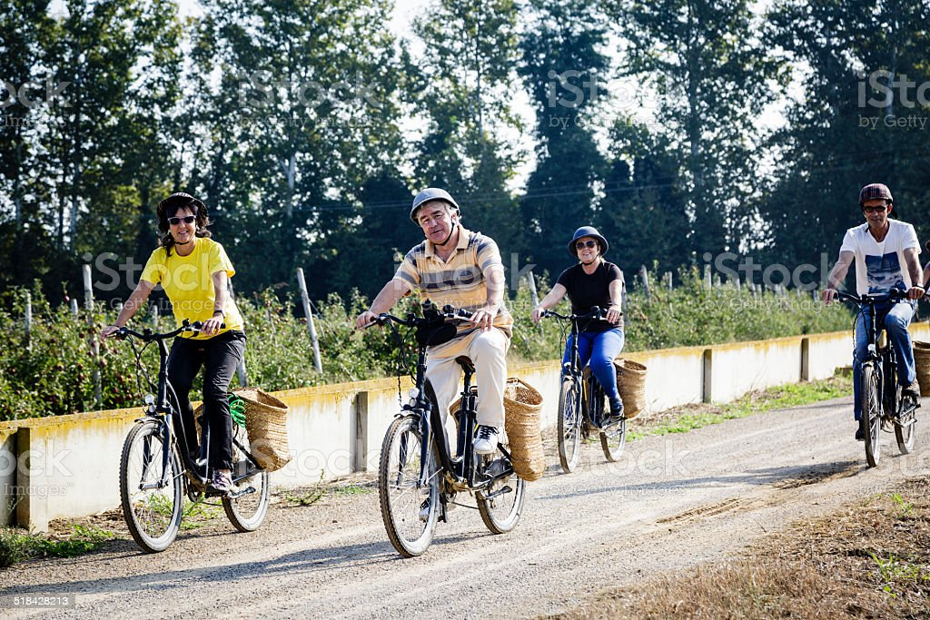 Electric paseo en bicicleta - foto de stock